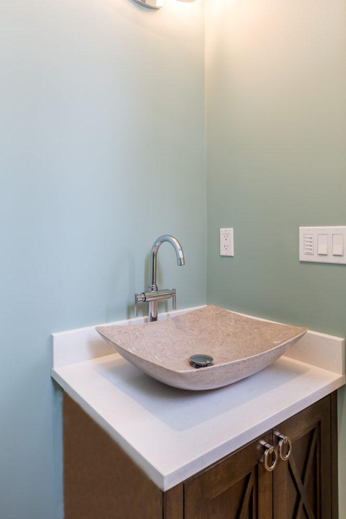 76 Sheridan Bathroom