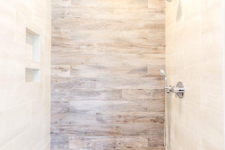 Sheridan House bathroom